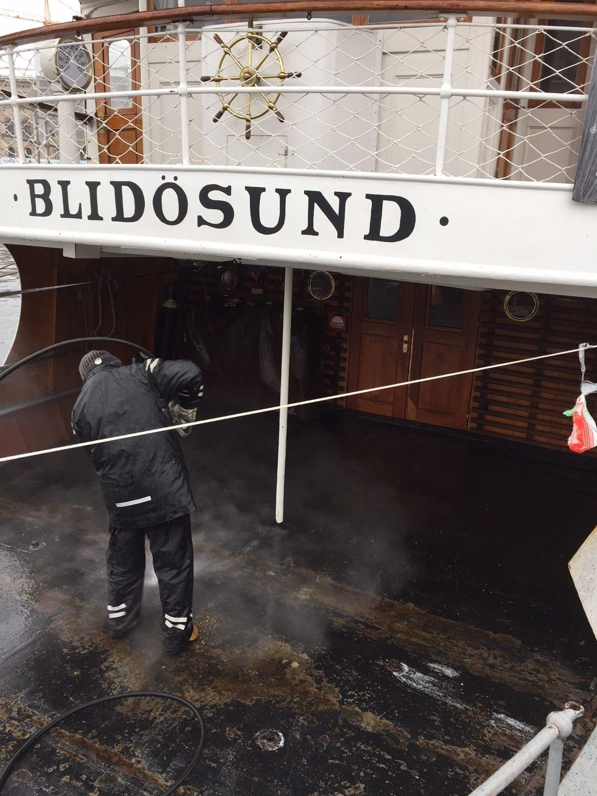 Allblästring vattenblästring ångfartyget blidösund 01