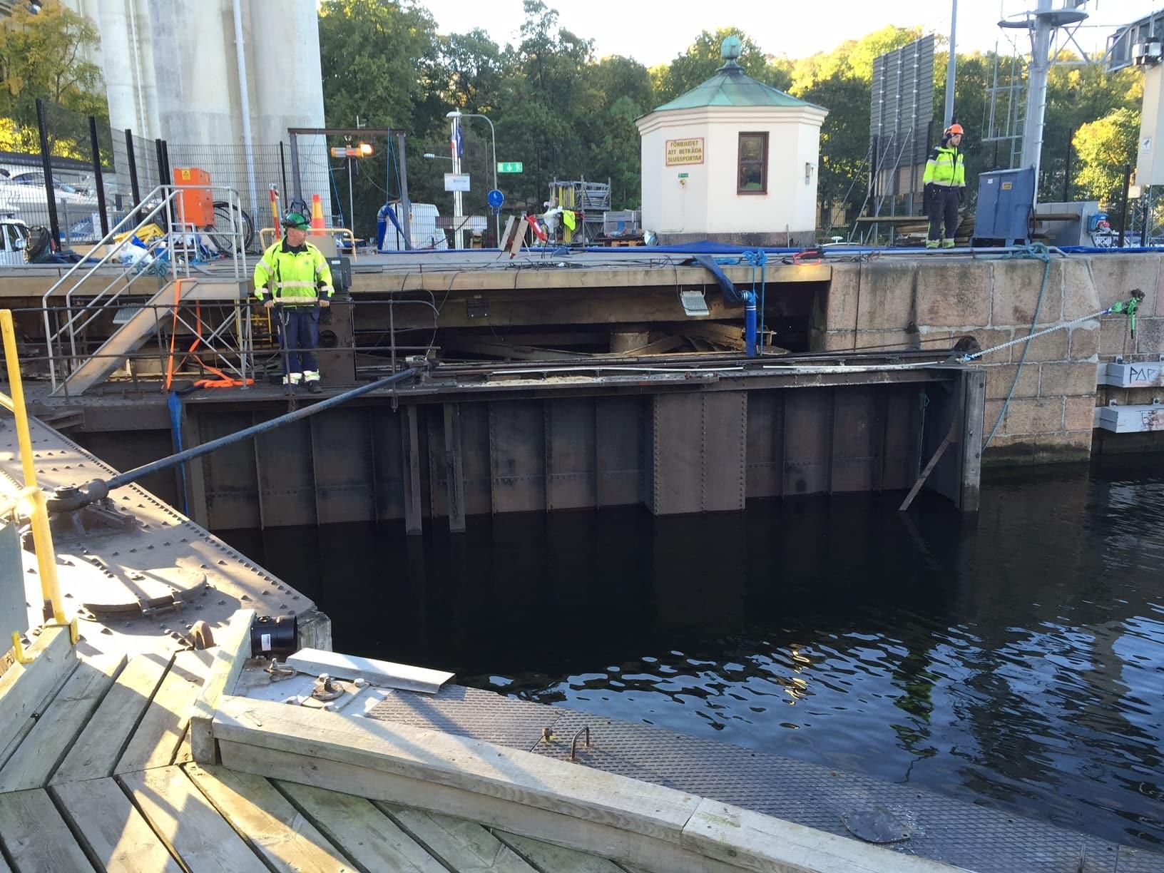 Hammarby sluss hammarbyslussen stockholms hamnar stockholm hamnentreprenad stheab blästring rostskyddsmålning 04