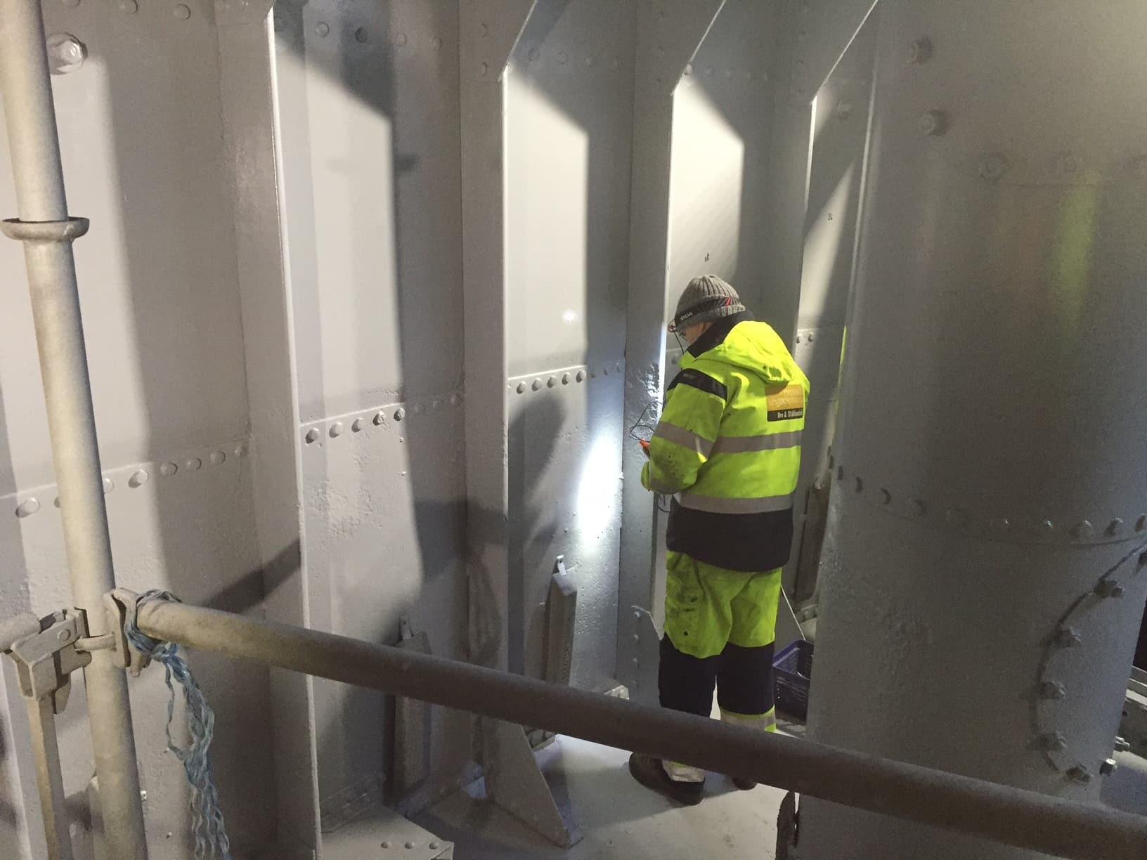 Hammarby sluss hammarbyslussen stockholms hamnar stockholm hamnentreprenad stheab blästring rostskyddsmålning 20