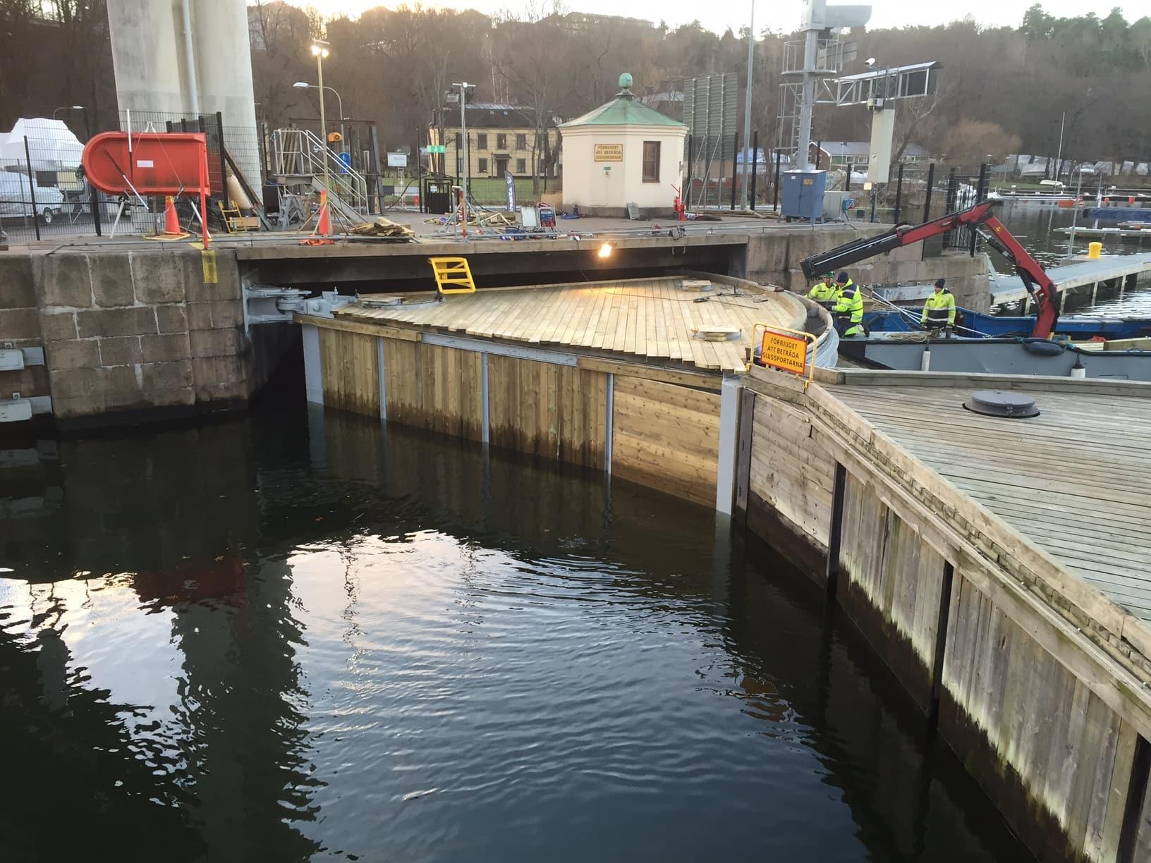 Hammarby sluss hammarbyslussen stockholms hamnar stockholm hamnentreprenad stheab blästring rostskyddsmålning 23