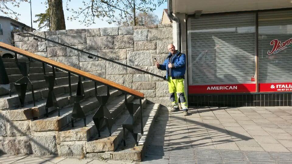 blackebergsplan blästrat rostskyddsmålning räcke handledare 02