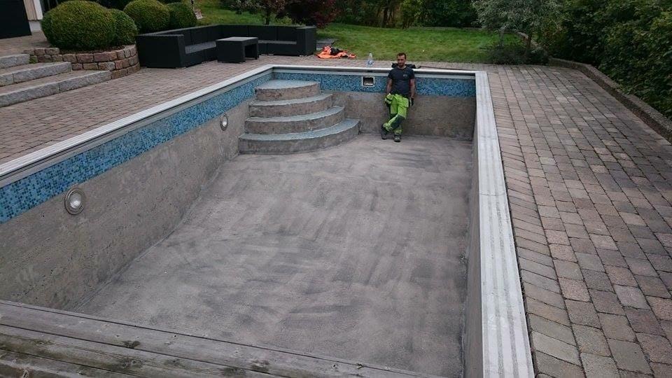 Blästring av pool